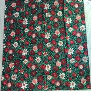 "Festive Christmas Holiday Tablecloth 69"" x 42"""